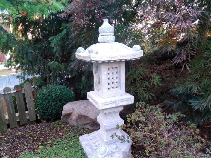 Granit-Steinlaterne aus China SL 17005 Kakudai Kuku 130 cm Bonsai.NRW
